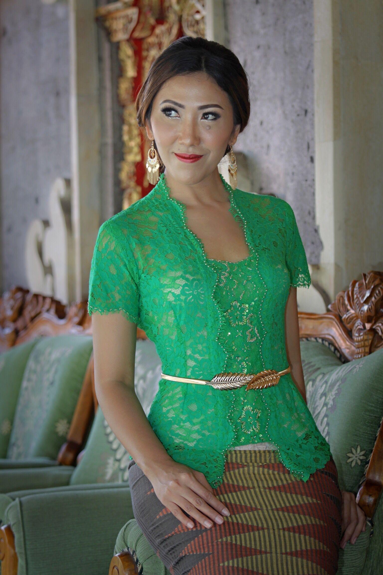 Contoh Kebaya Bali