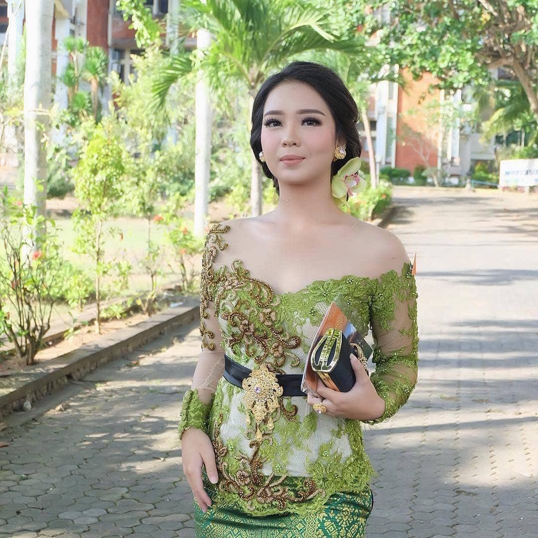 Desain Kebaya Bali
