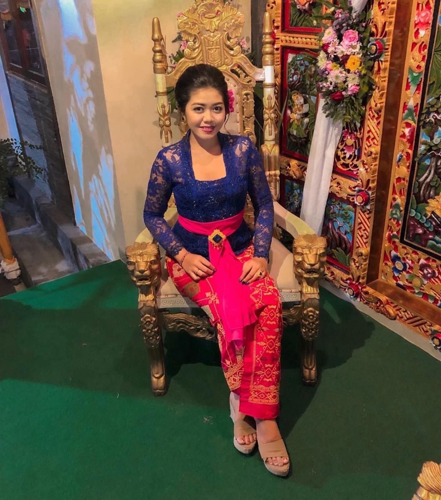 Foto Kebaya Bali Terbaru