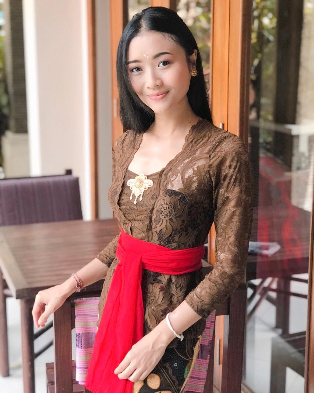 Gambar Kebaya Bali
