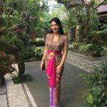 Kebaya Bali Tradisional