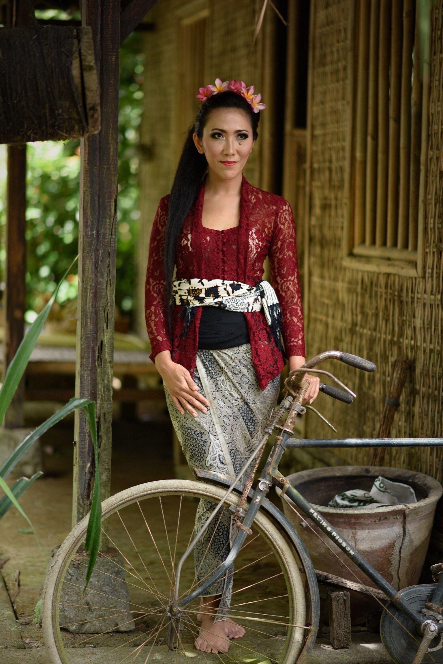 Kebaya Modifikasi Bali