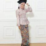 Kebaya Muslim Wisuda Rok Batik