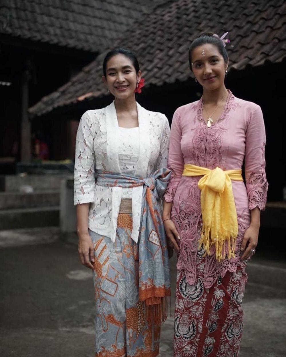 Model Baju Kebaya Bali Terbaru