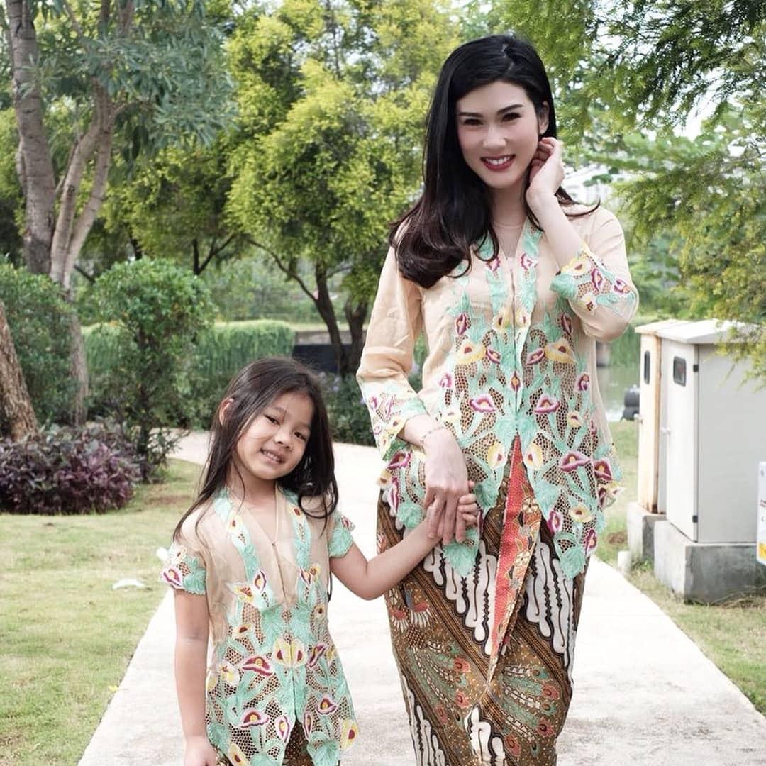 Model Baju Kebaya Encim Anak