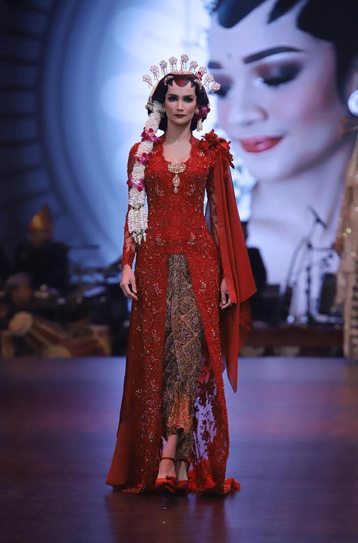 Model Baju Kebaya Jawa Warna Merah