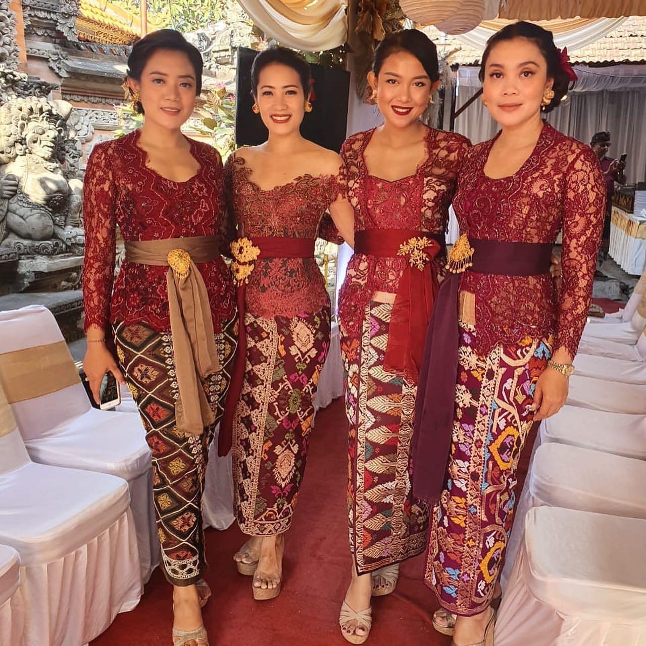 Model Kebaya Bali Brokat
