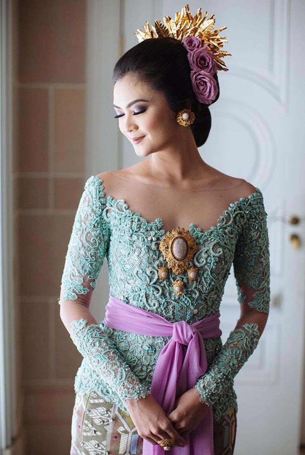 Model Kebaya Bali Modern