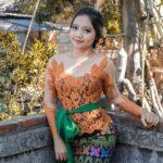 Model Kebaya Brokat Bali Terbaru