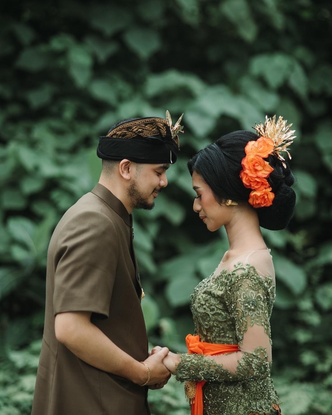 Model Kebaya Couple Bali