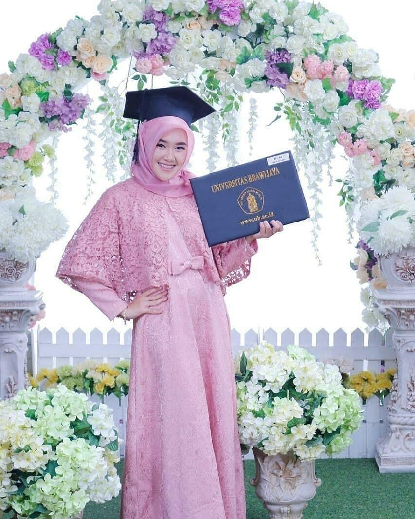 Model Kebaya Encim Muslim