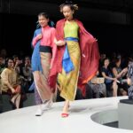 Baju batik kombinasi gaun ala kembang desa