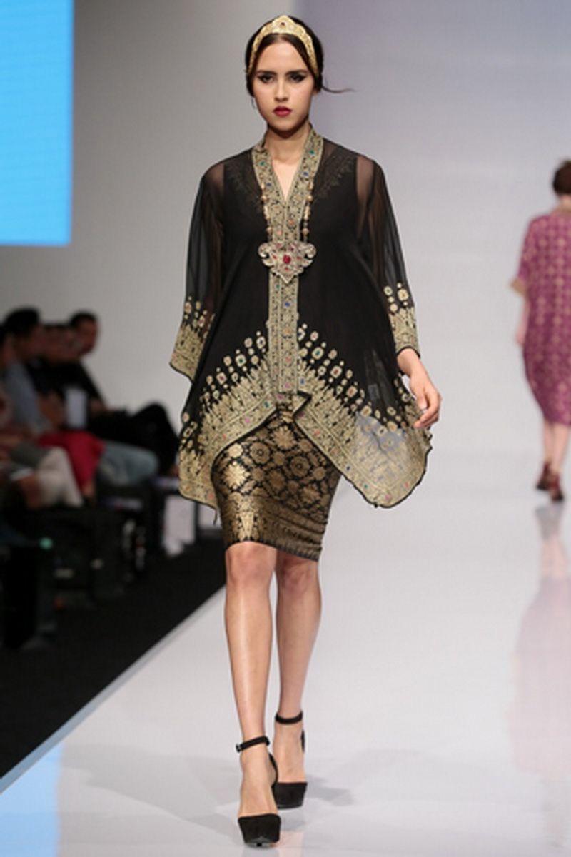 Baju batik kombinasi modern