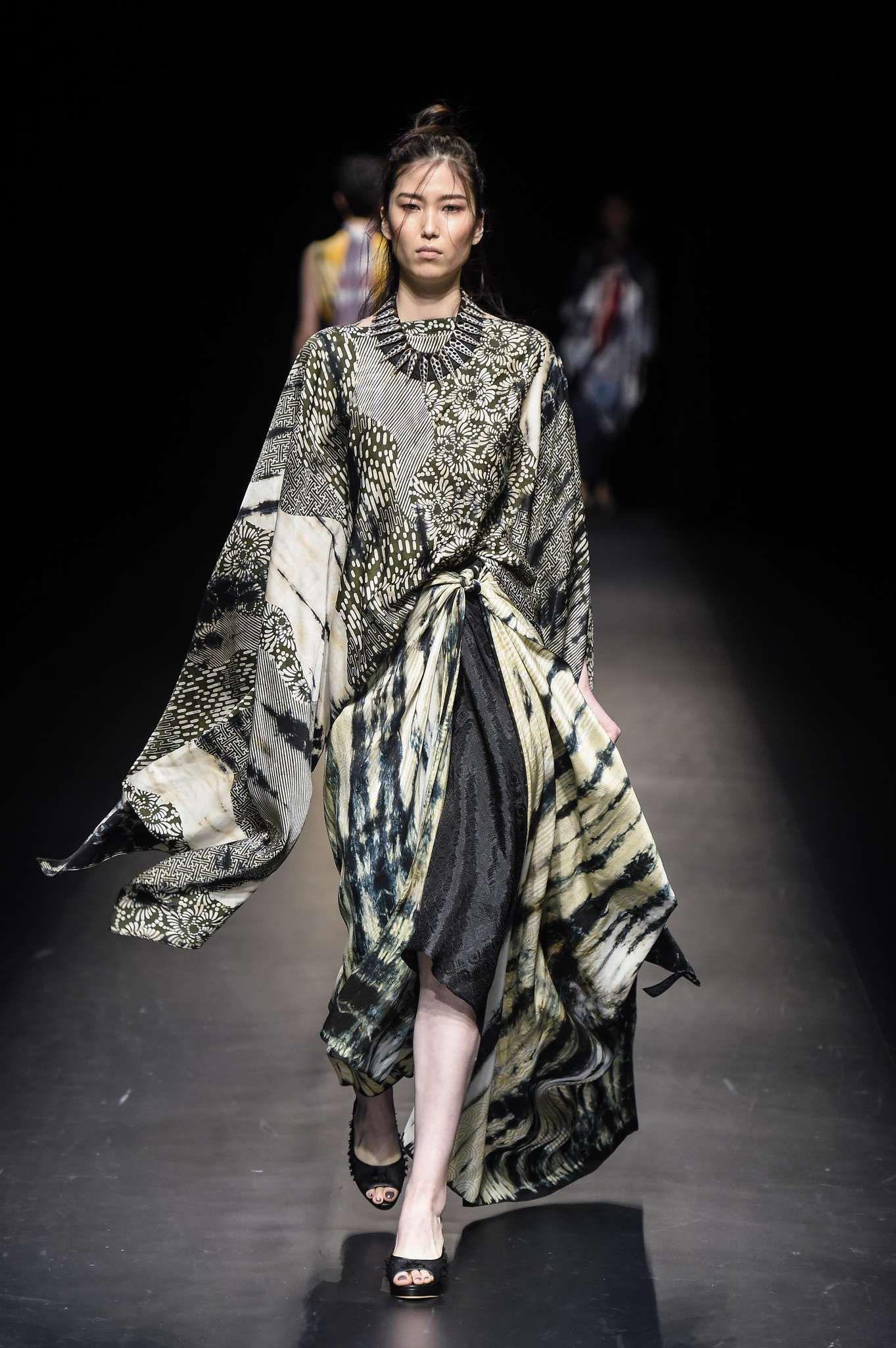 Baju batik model unik