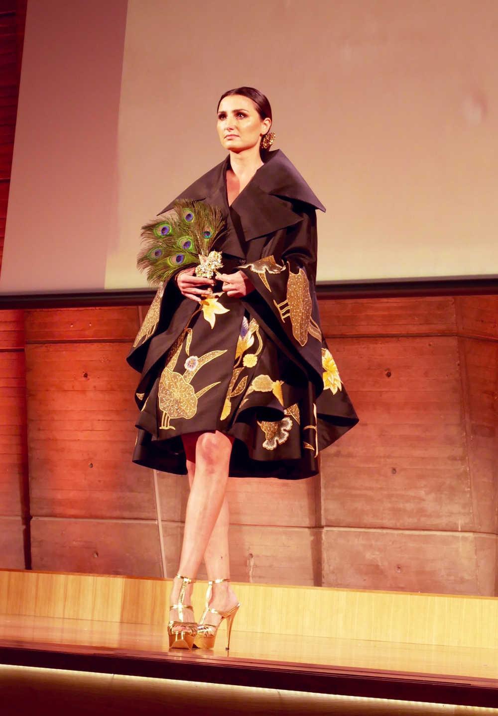 Baju batik modern gaun pendek