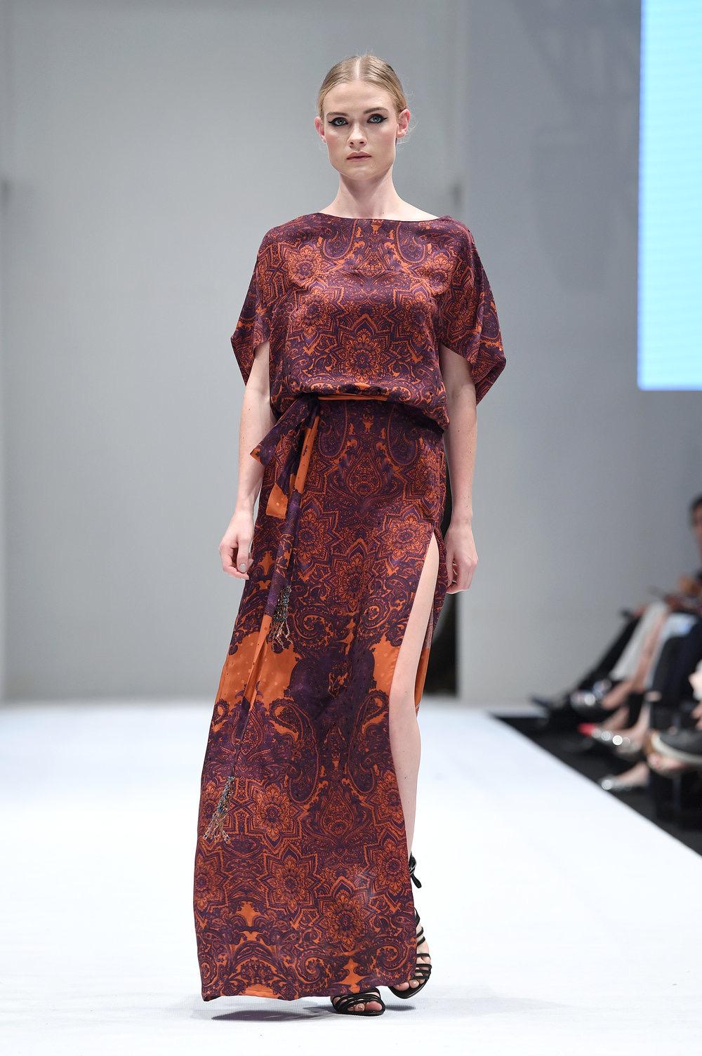 Baju batik modern lengan pendek