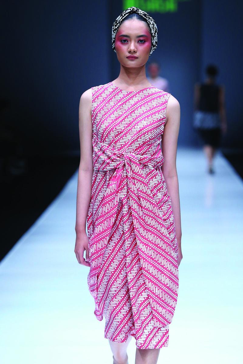 Baju batik modern pendek
