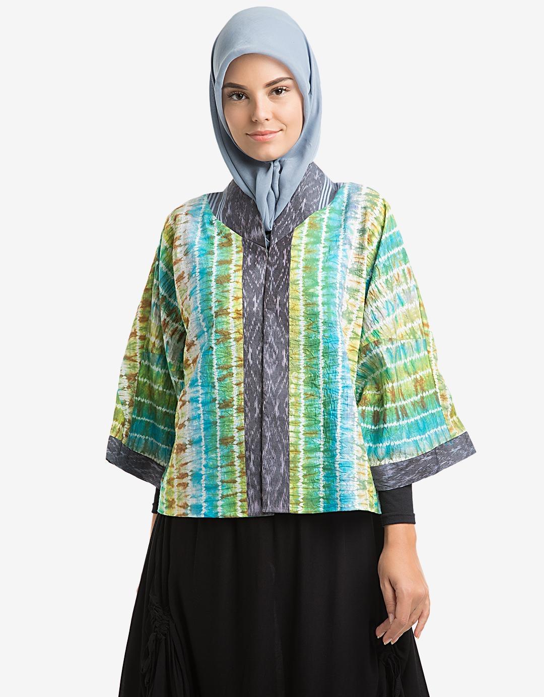 Baju batik muslim lengan lebar