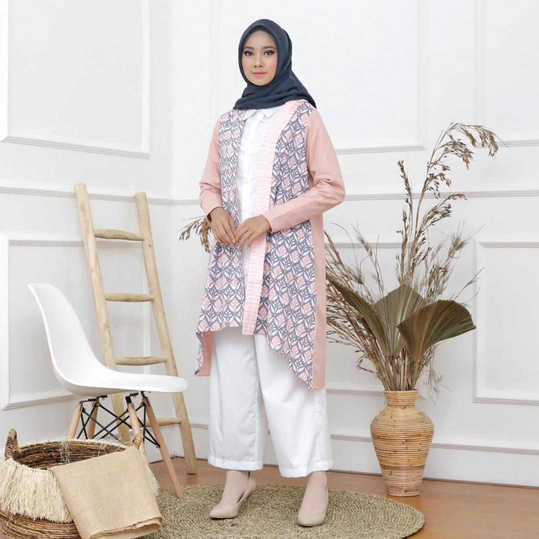 Baju batik muslim untuk ke kantor