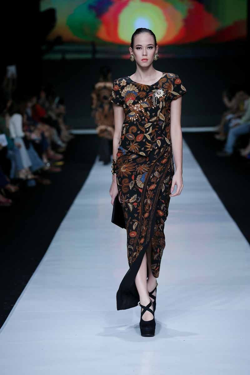 Baju batik panjang model belah 1
