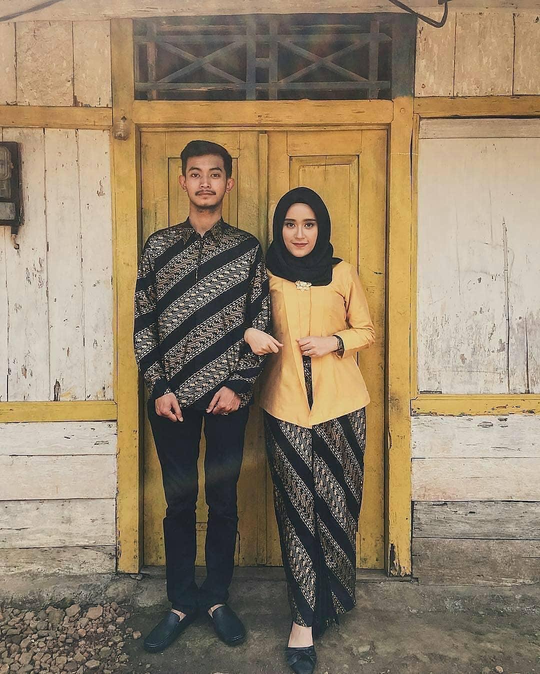 Batik Couple Adat Jawa