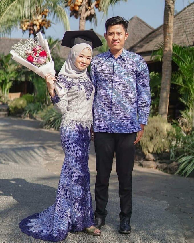 Batik Couple Long Dress Wisuda