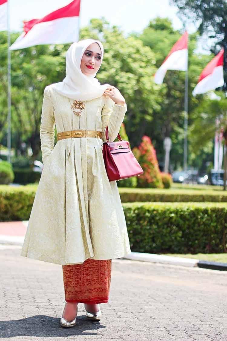 Batik Model Kebaya Muslim