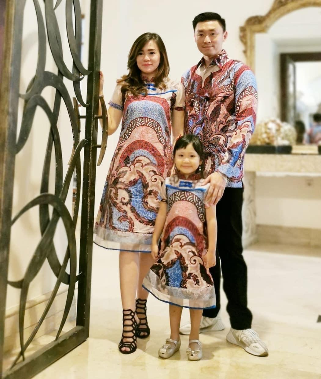Batik Sarimbit Family