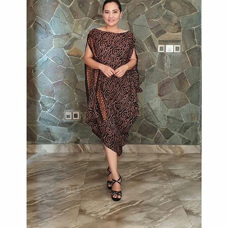 Batik klasik terusan sleeveless