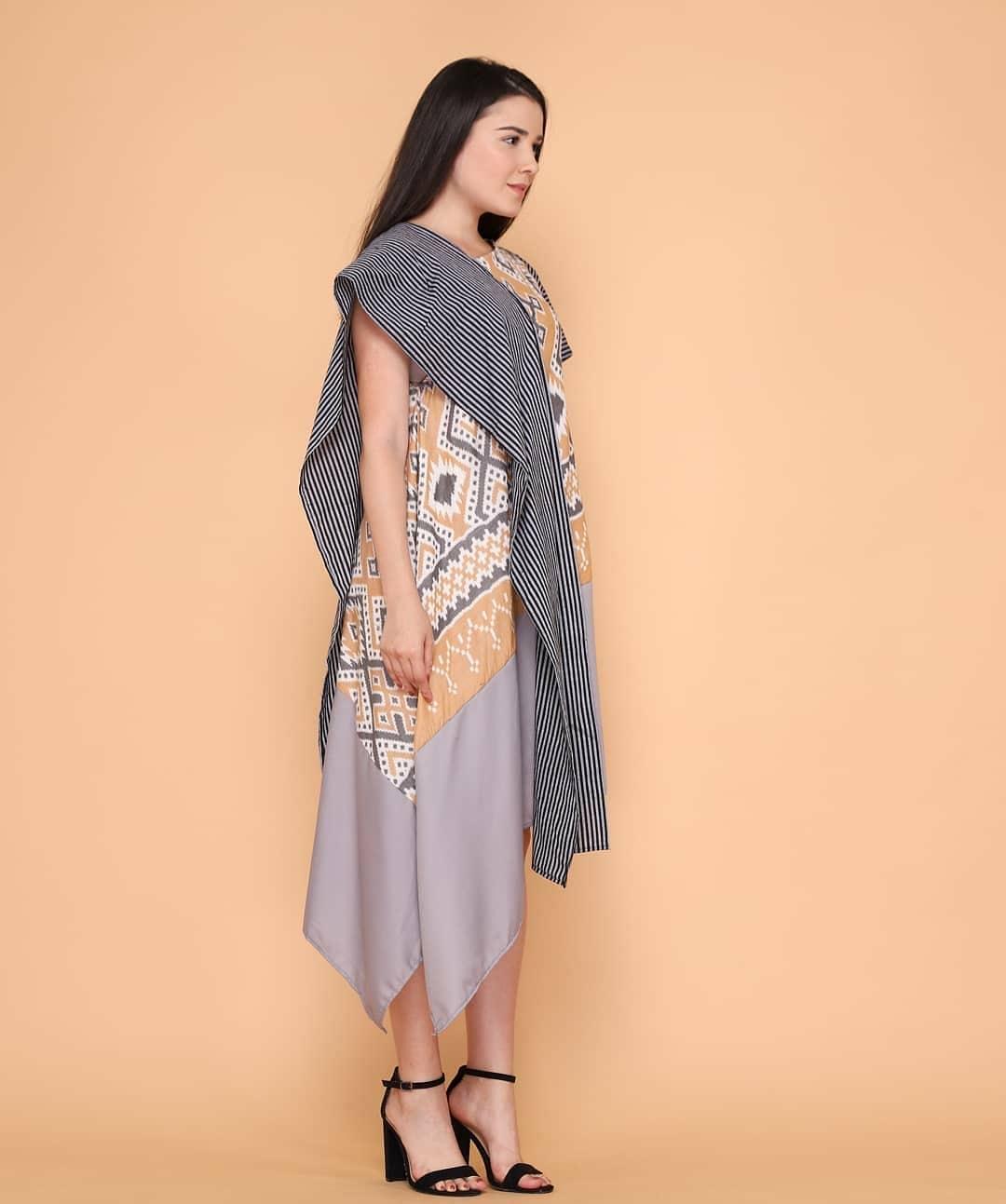 Batik motif wajik berselempang