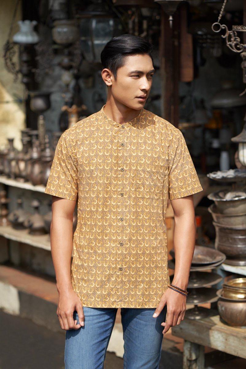 Batik pria dengan nuansa vintage