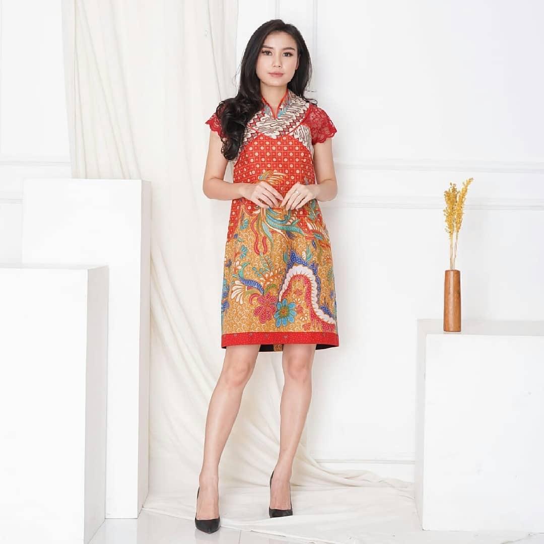 Batik simple lengan lace