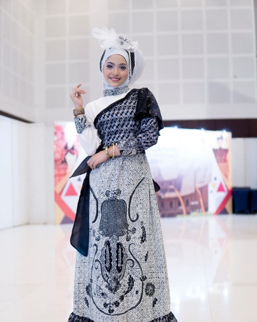 Dress batik monokrom
