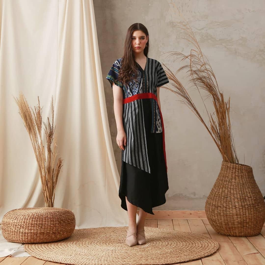 45 Model Dress Batik Modern Kombinasi Elegan Terbaru 2020