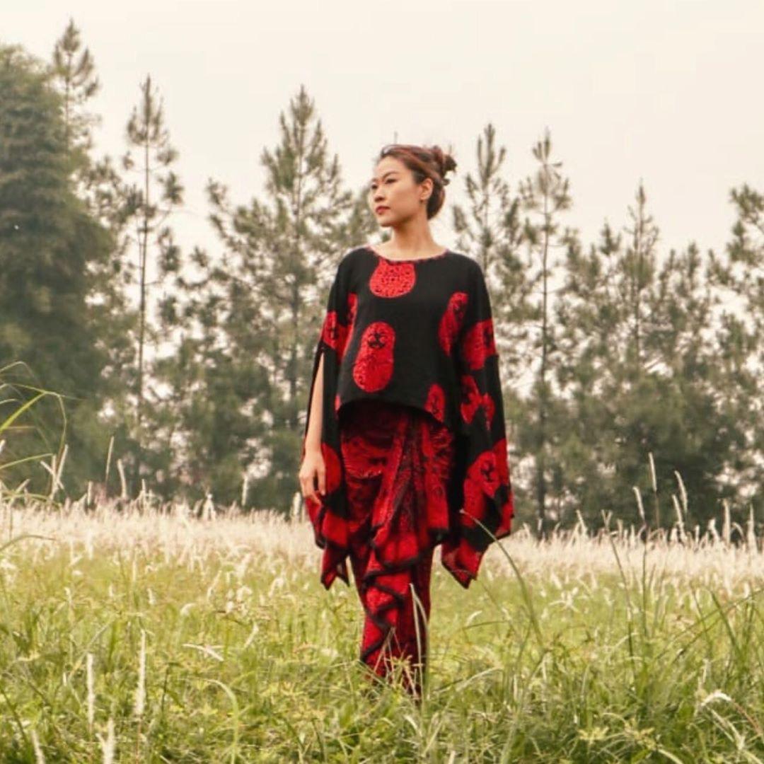 Dress batik terbaru modern