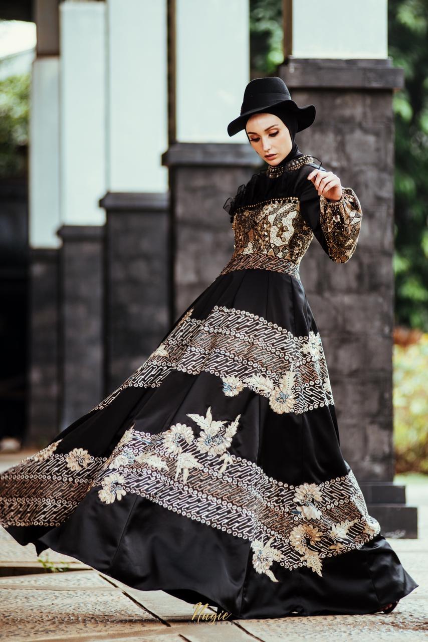 Gamis batik ala gaun malam