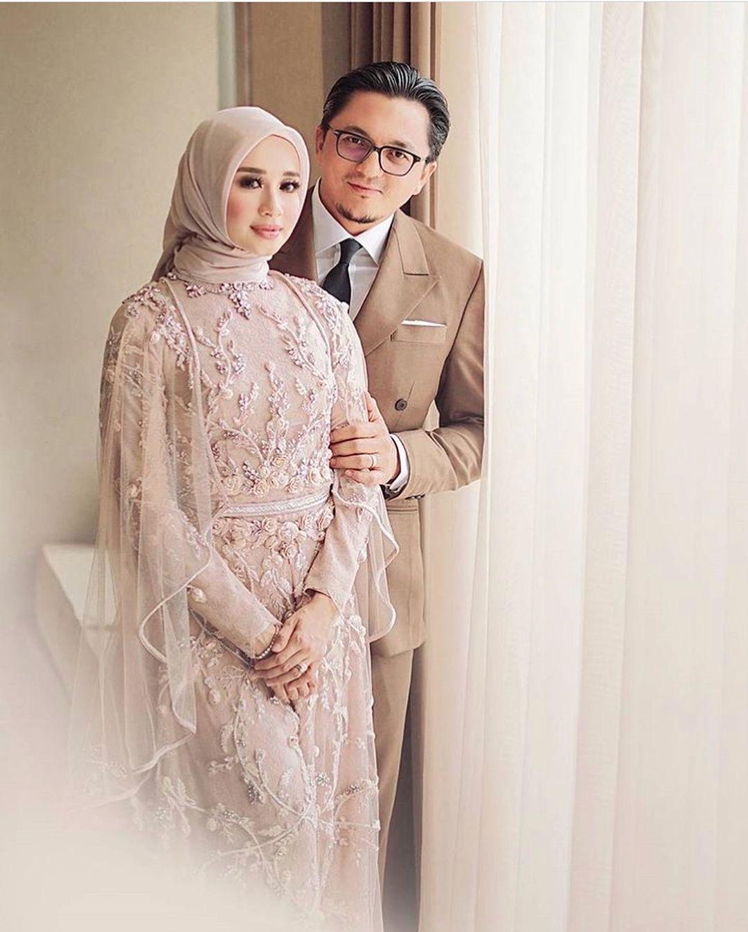 Gaun Kebaya Modern Muslim