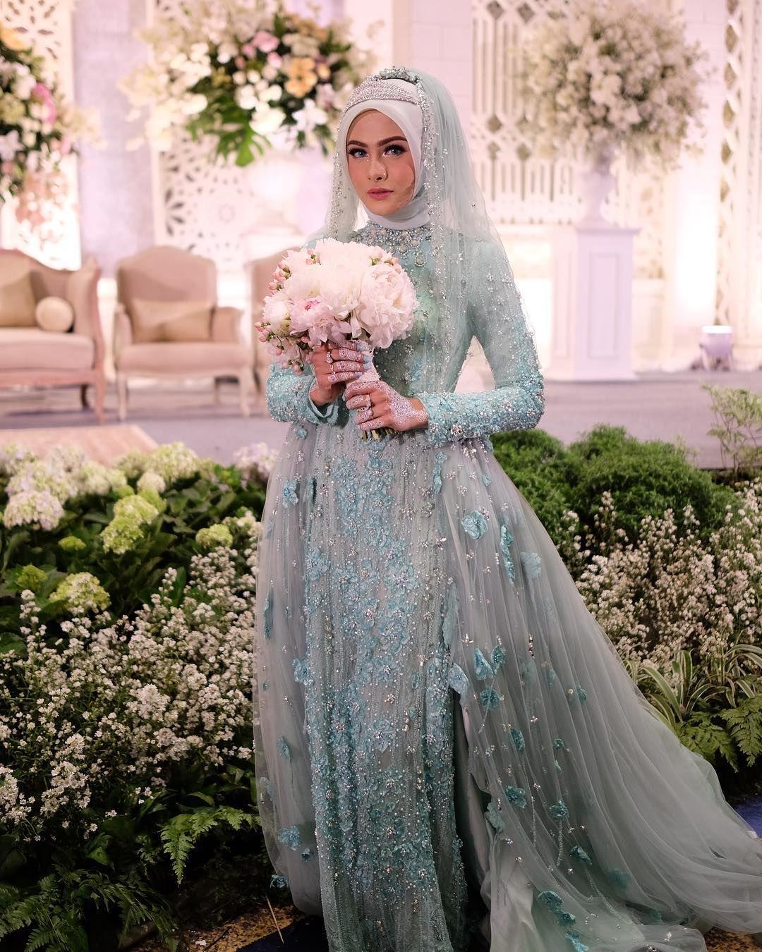 Gaun kebaya muslim pernikahan full brokat