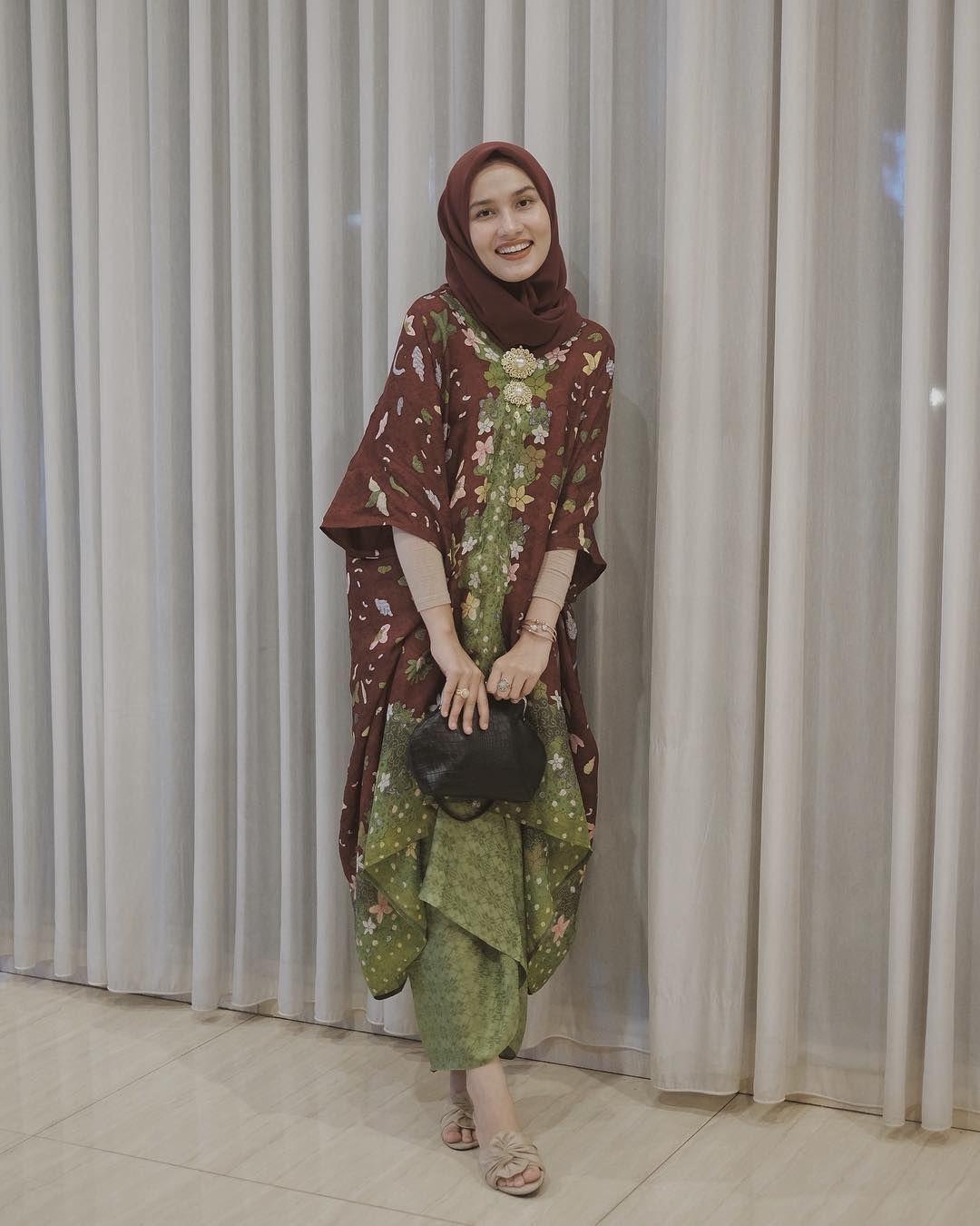√ 8+ Model Gamis Batik Kombinasi Modern Terbaru 8