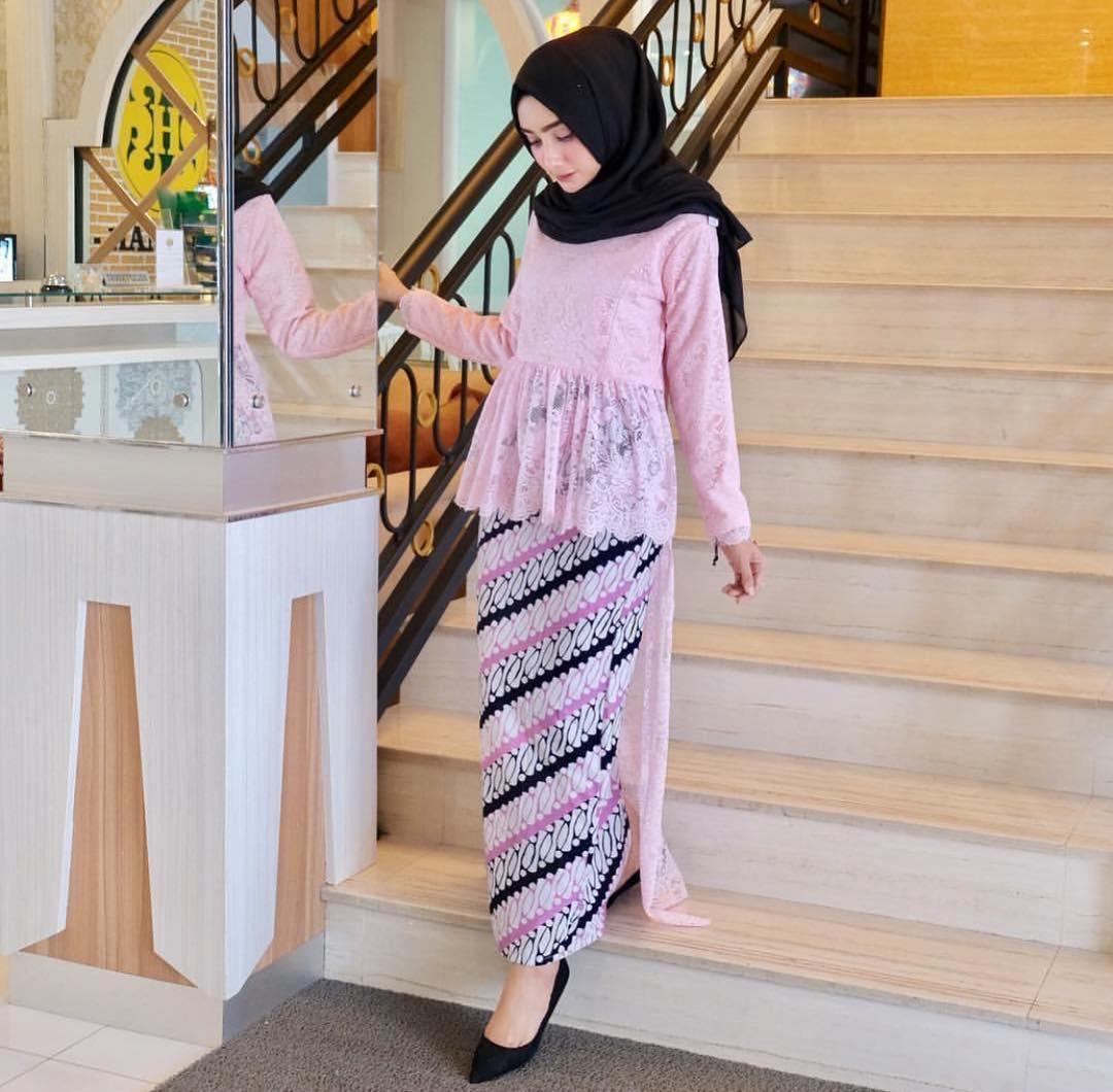 Kebaya Batik Muslim Modern