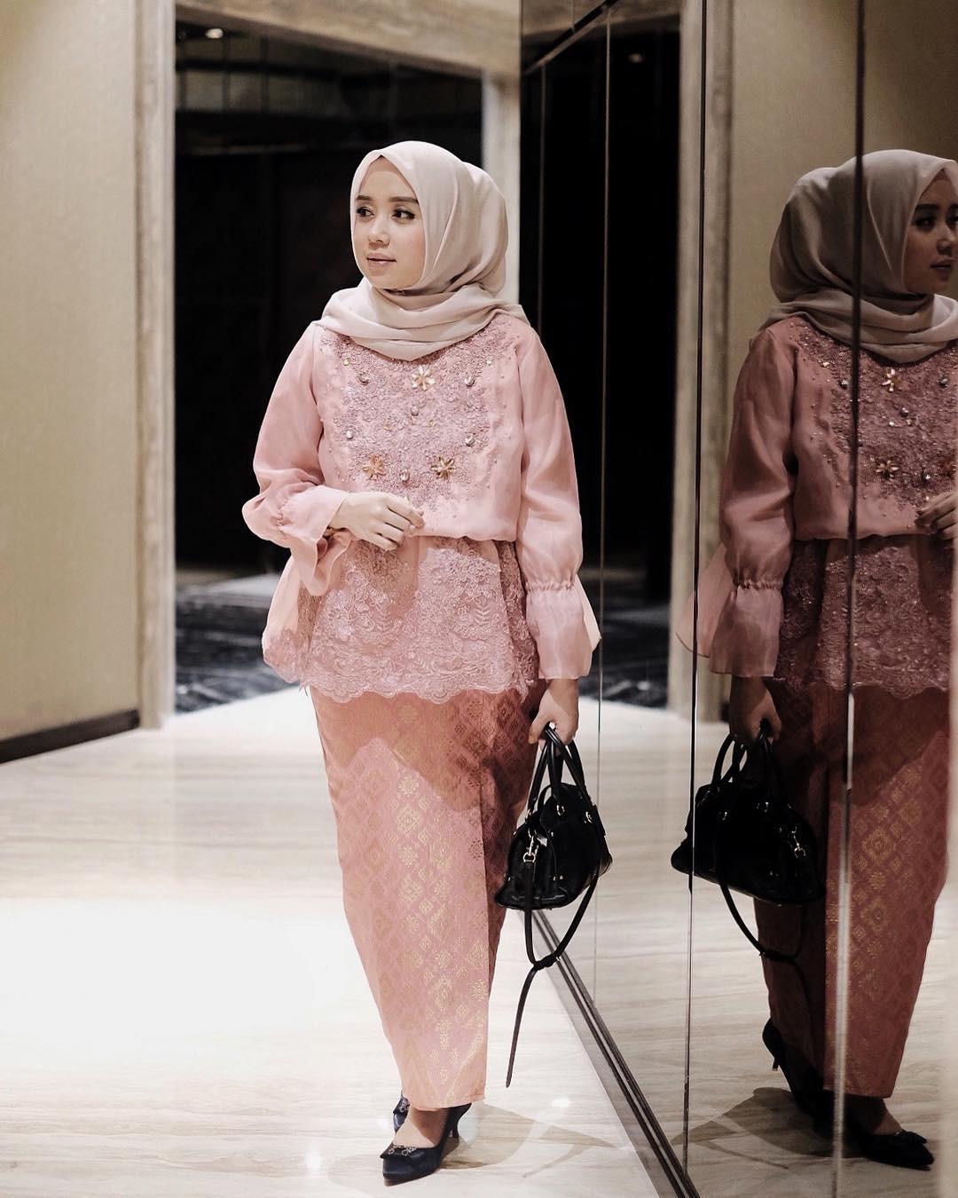 Kebaya Kartini Hijab