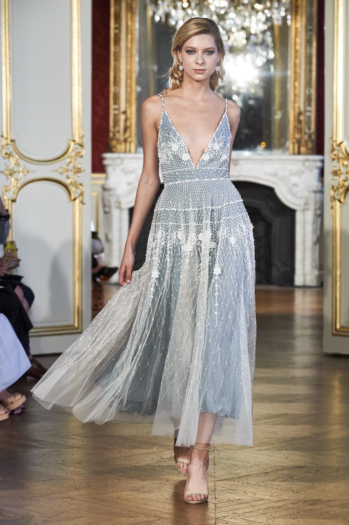 Midi dress model gaun kebaya pendek