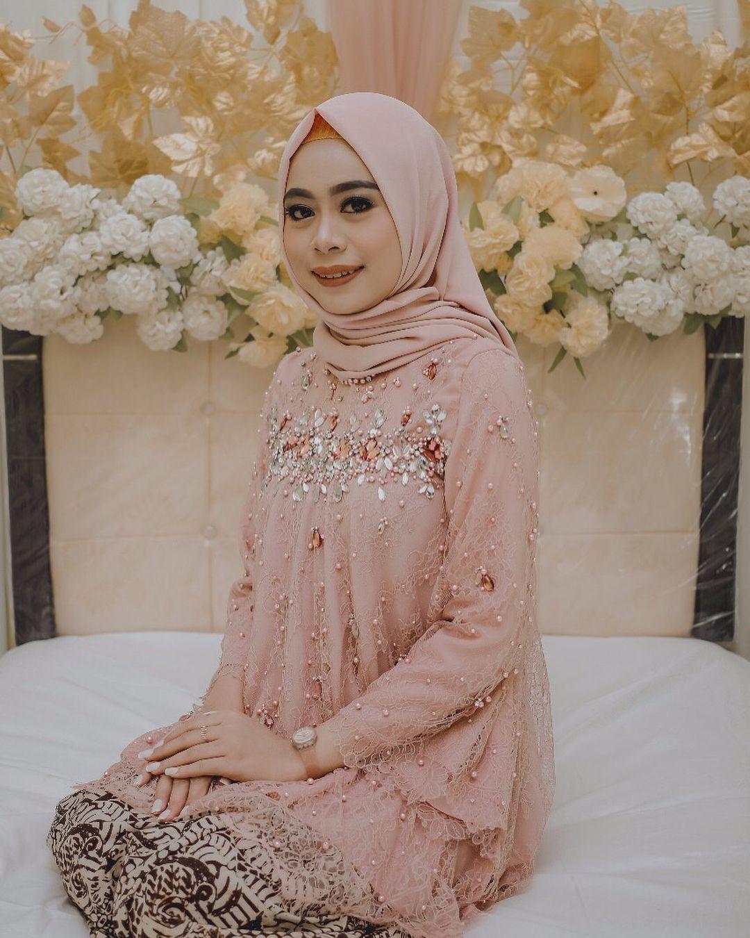 Model Baju Kebaya Batik Muslim Modern