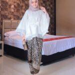 Model Baju Kebaya Kombinasi Batik Muslim