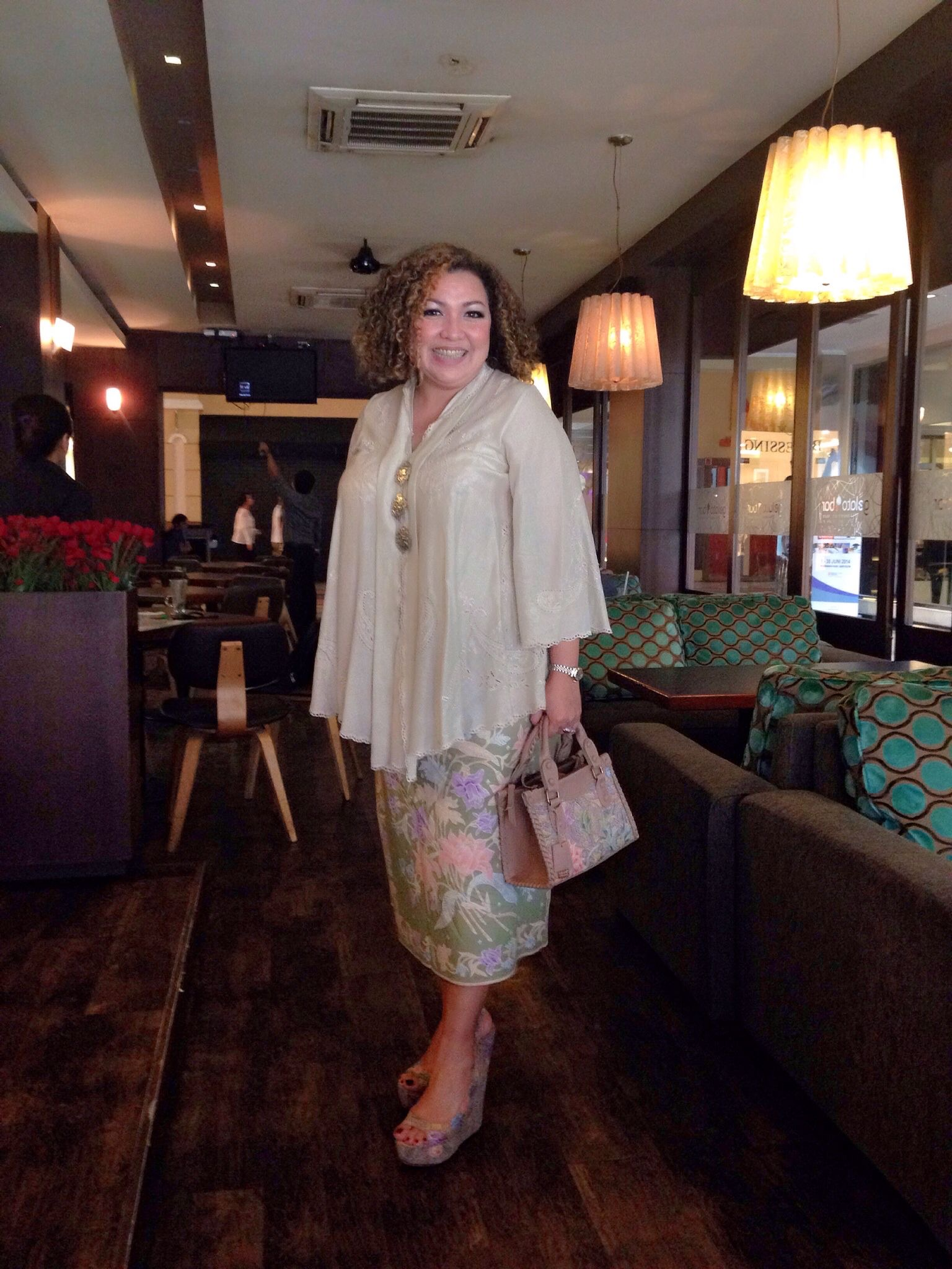 Model Baju Kebaya Untuk Orang Gemuk Agar Terlihat Langsing