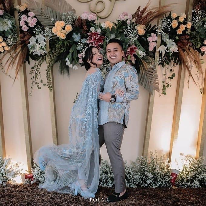 Model Batik Couple Full Brokat