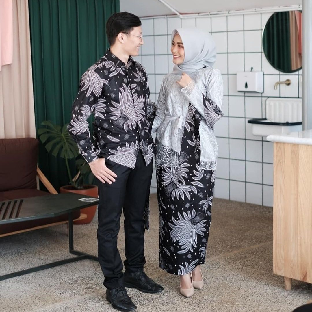 Model Batik Couple Motif Daun