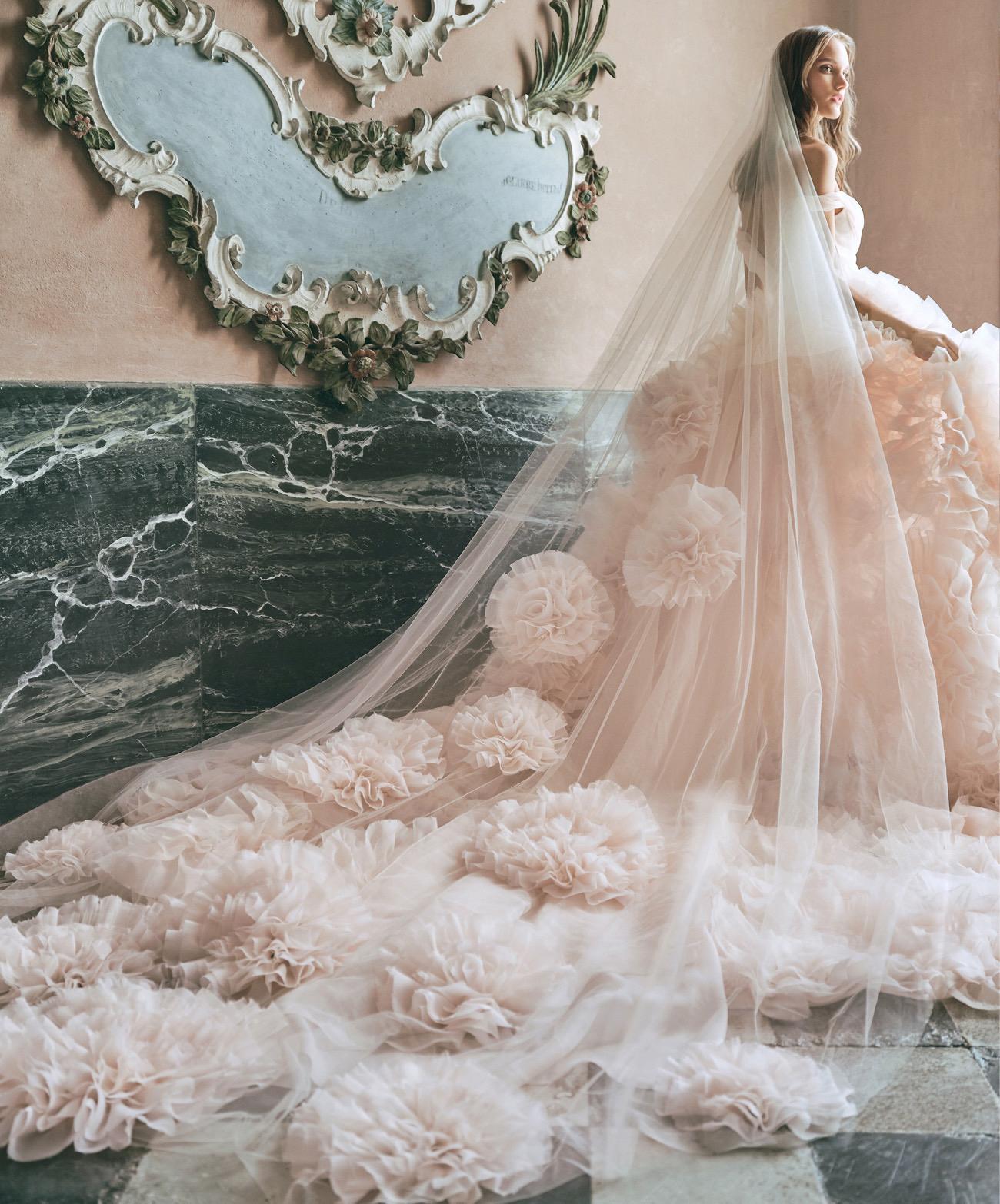 Model Gaun Kebaya Meriah