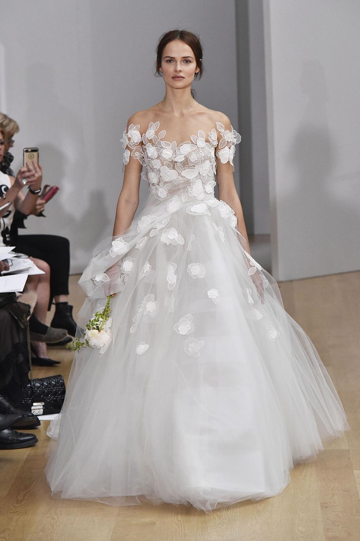 Model Gaun Kebaya Putih Natural