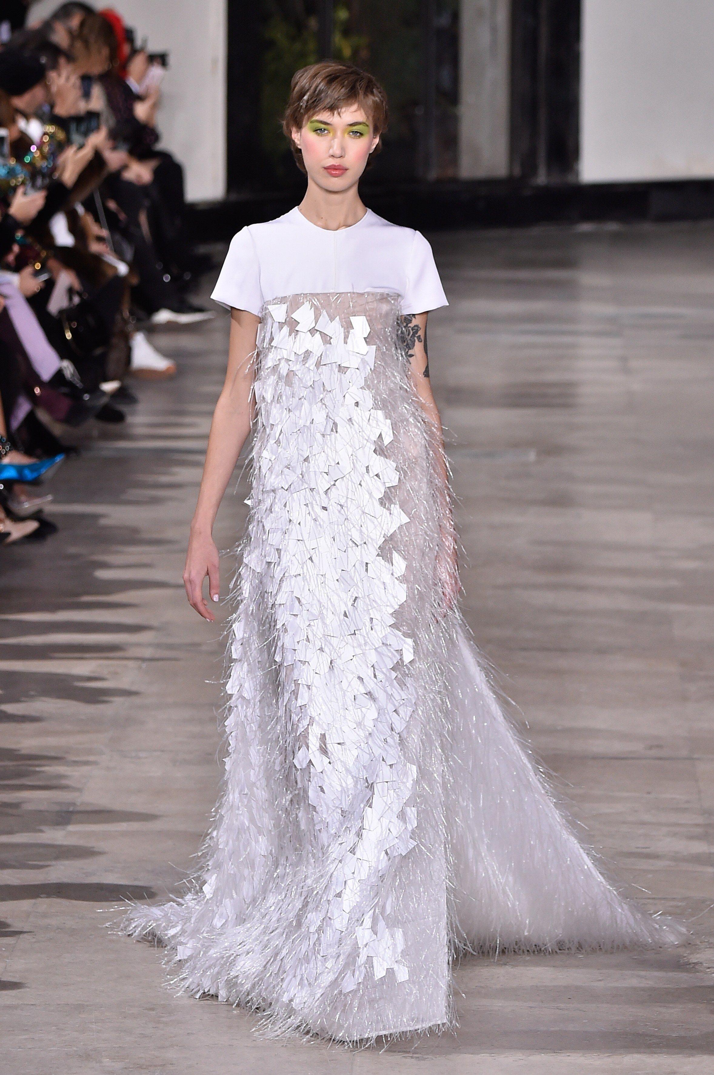 Model Gaun Kebaya Unik